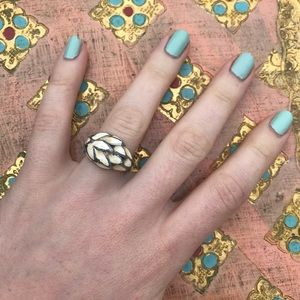 Jewelry - Vintage enamel ring